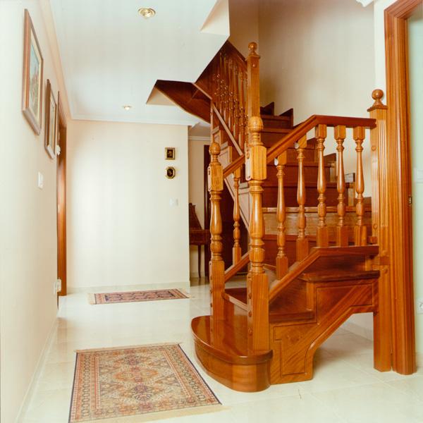 Escalera-clasica-CLA18