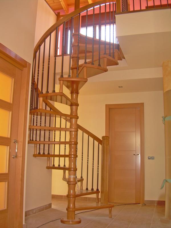 Torneados fuentespalda barandillas y escaleras de madera forja hierro acero inoxidable y - Escaleras de caracol economicas ...