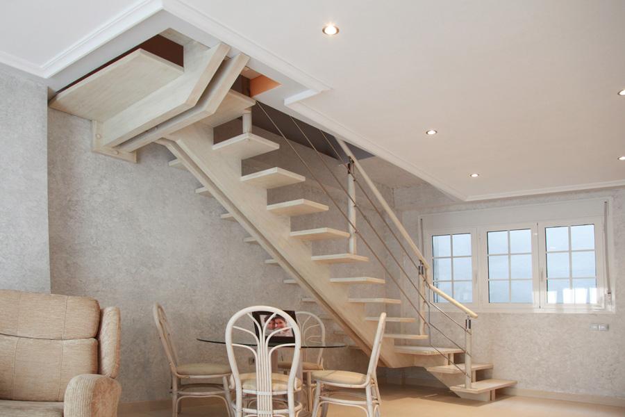 Torneados fuentespalda barandillas y escaleras de madera - Escaleras con barandilla de cristal ...