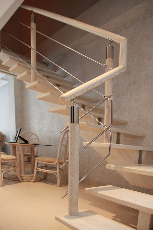 Portones en madera y hierro for Como construir una escalera de hierro y madera