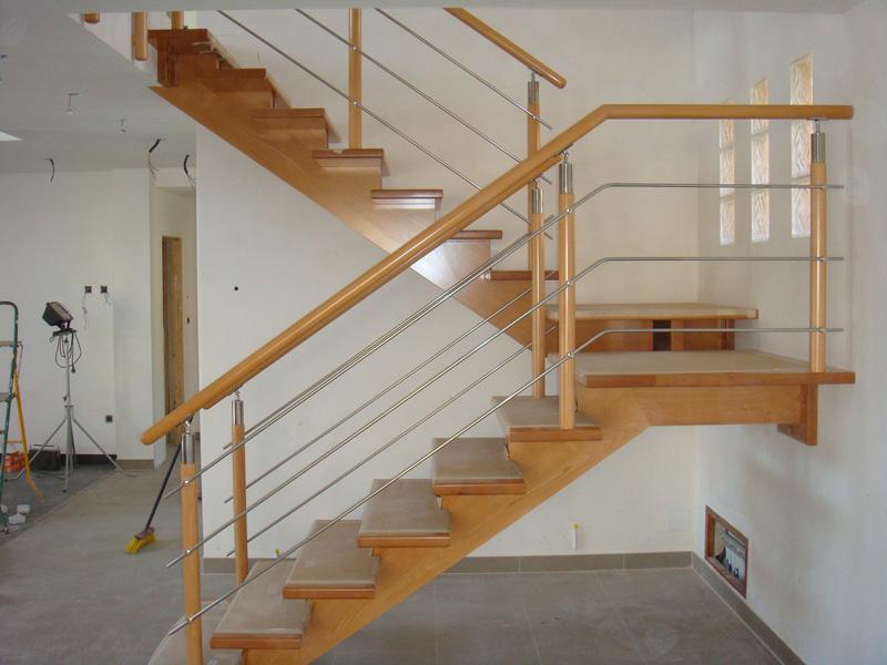 Torneados fuentespalda barandillas y escaleras de madera for Como hacer una escalera de hierro para interior