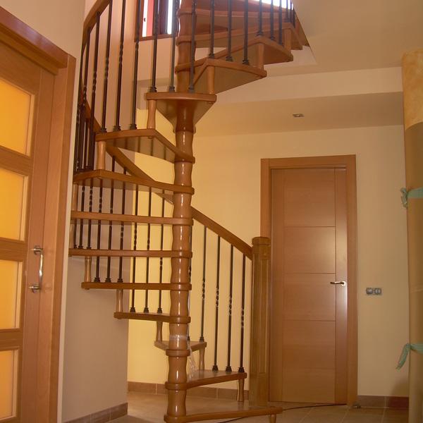 barandilla-de-madera-forja-y-hierro-FORJA05