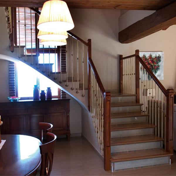 Barandas de hierro forjado para escaleras acero diseo de for Escaleras interiores de hierro