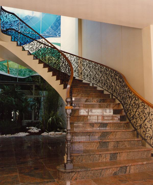Torneados fuentespalda barandillas y escaleras de madera - Escaleras de forja interiores ...