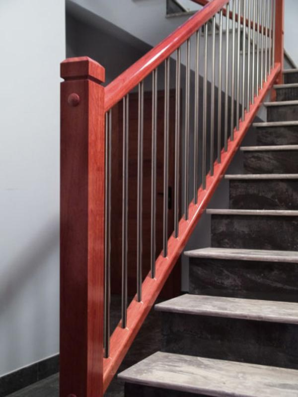 barandillas-de-madera-y-acero-inoxidable-E03