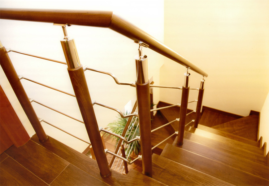 TORNEADOS FUENTESPALDA / Barandillas y escaleras de madera, forja ...