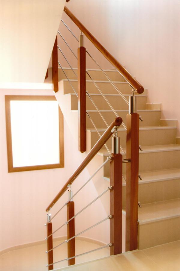 Torneados fuentespalda barandillas y escaleras de madera for Barandilla escalera exterior