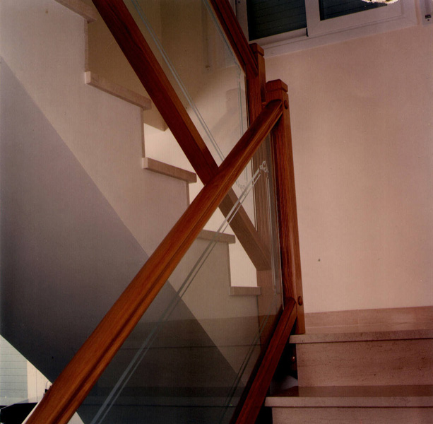 Torneados fuentespalda barandillas y escaleras de madera - Barandillas de cristal y madera ...