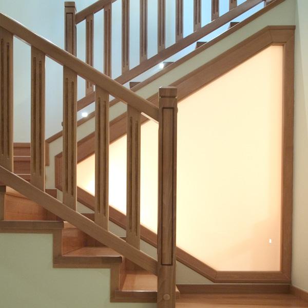 Torneados fuentespalda barandillas y escaleras de madera - Barandales modernos para escaleras ...