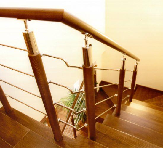 barandillas-de-madera-y-acero-inoxidable-TF01