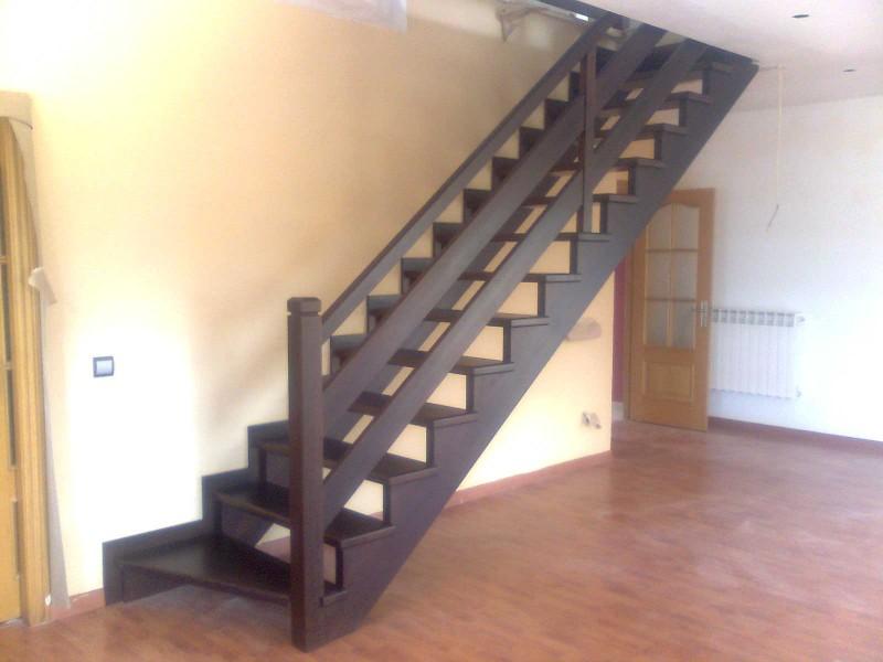 Pin escaleras caracol madera metalicas acero inox pictures for Modelos de gradas de madera