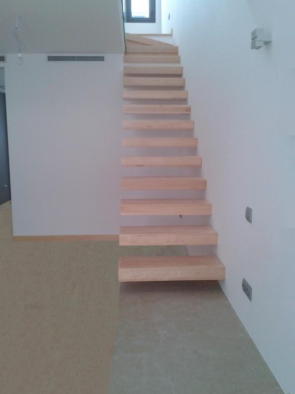 Torneados fuentespalda barandillas y escaleras de madera forja hierro acero inoxidable y - Madera para peldanos de escalera ...