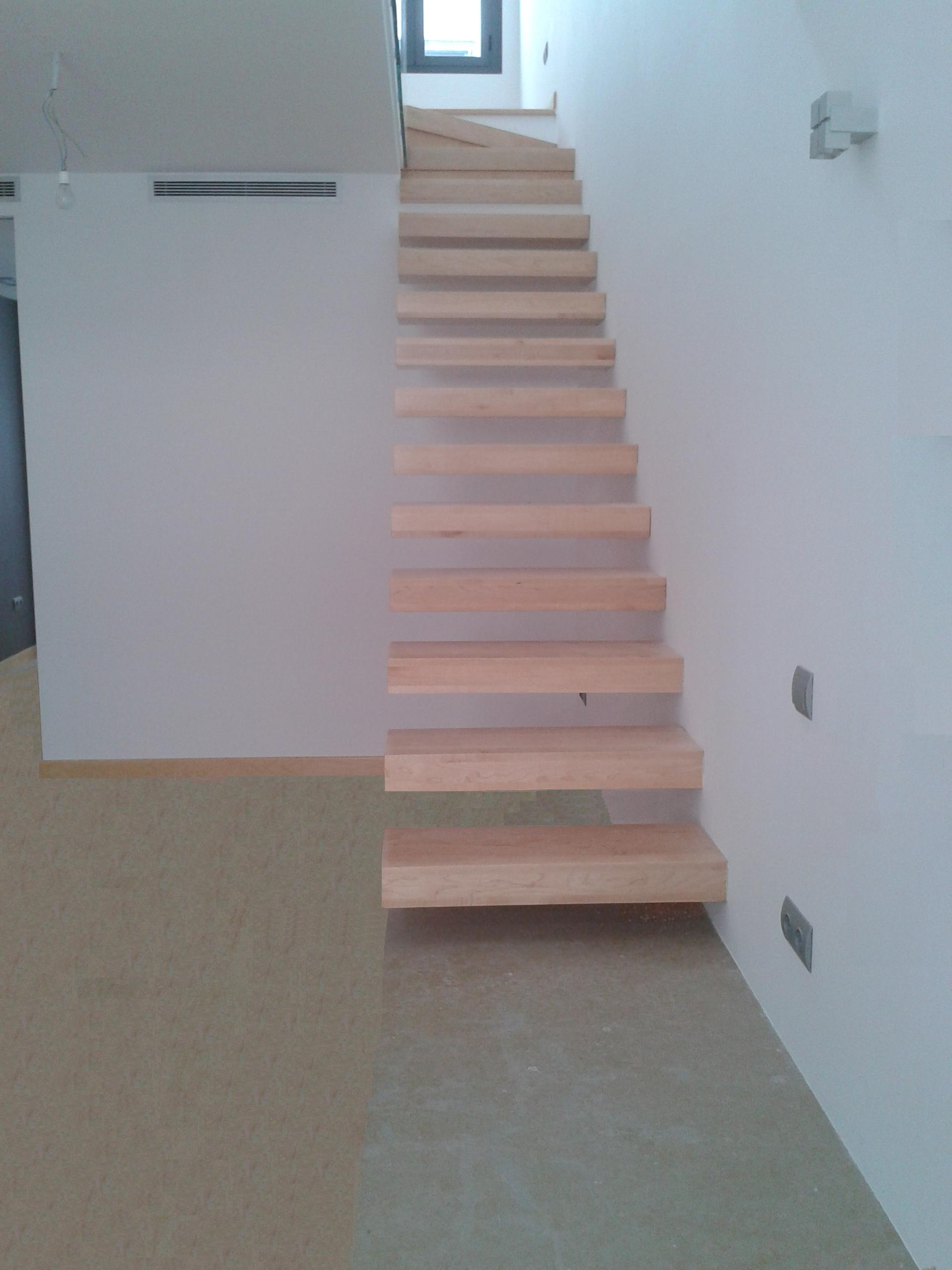 TORNEADOS FUENTESPALDA Barandillas y escaleras de madera forja