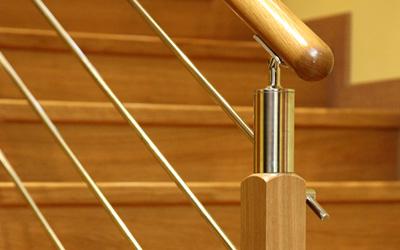 Barandillas de madera y acero inoxidable